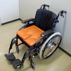 車椅子用クッション 座・らくーん[中央パッド独立型]